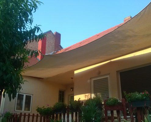 napvitorla családi házon